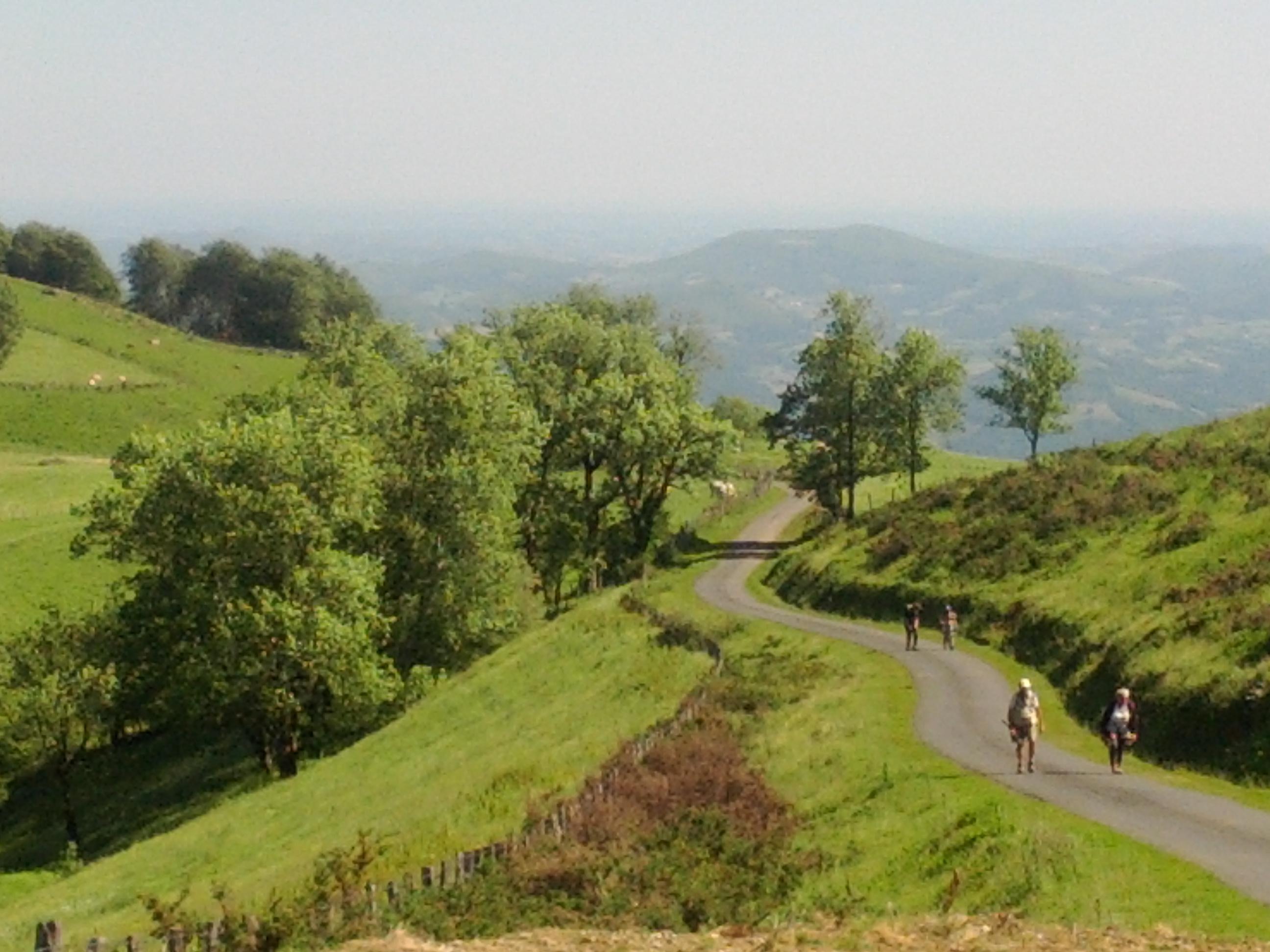 Day 106 start el camino walk to roncesvalles - St jean pied de port to santiago distance ...
